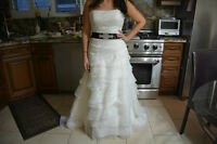 BEAUTIFUL ALLURE BRIDAL DRESS SIZE 6