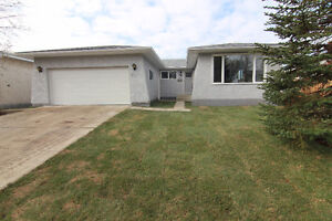 Completely Renovated 1526 sqft Bungalow in Akinsdale