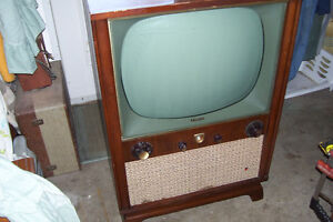 1956 PHILIPS B/W TELEVISION FLOOR MODEL#3632 SELLING AS IS