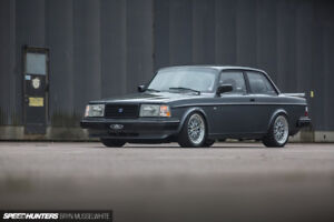 Looking to buy a Volvo 240 or 740