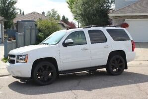 2012 Chevrolet Tahoe, Low KM 4x4