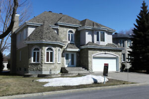 BEST DEAL EVER!!  Gorgeous House in Brossard R section.