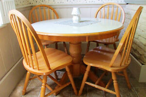 Dining Table and Chairs Kitchener / Waterloo Kitchener Area image 4
