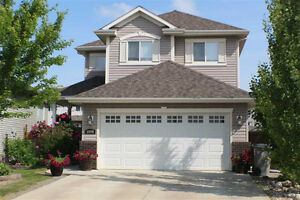 Beautiful 2 story home in South Glens Morinville!