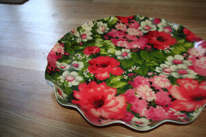 Lrg Pretty Vintage Serving Tray with Floral Design Scalloped Rim Kitchener / Waterloo Kitchener Area image 5