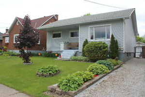 A must see, beautiful 3 bedroom bungalow