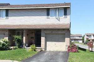 Centrally Located Townhouse!