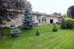 Very nice family bungalow prime location in Pembroke