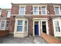 3 bedroom flat in Brighton Grove, Newcastle Upon Tyne, NE4