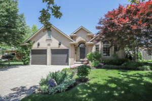 Luxurious Bungalow in Prime Meadowlands Location!