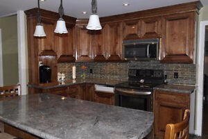 4 Bedroom Country Home With An Amazing Shop!! London Ontario image 4
