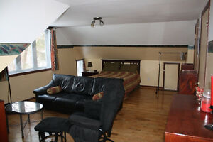 Furnished 2 1/2 for rent, short or long term, all inclued