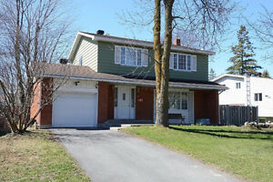4 bedroom house located in central Pointe-Claire