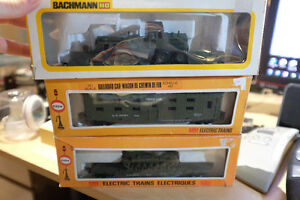 3 vintage HO scale US ARMY train cars, COX Troop Tank and Grader