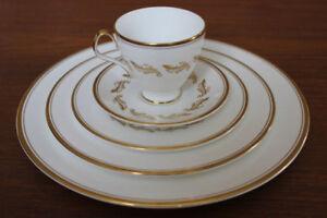 """Royal Albert fine china """"Symphony"""" 5 piece setting, 12 settings"""