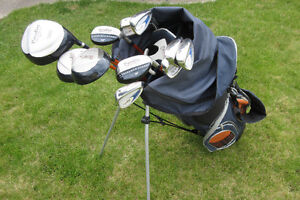 COMPLETE SET MEN'S PARADISE GOLF CLUBS - LIKE NEW