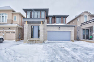 MOVE IN TODAY -BRAND NEW  -MODERN ANCASTER HOME -AVAILABLE NOW