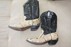 Used Ladies Snakeskin Cowboy Boots Size 7.5