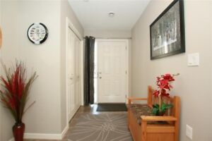 Excellent Townhouse for SALE **Book a showing today!