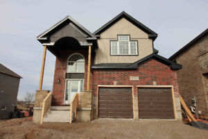 GORGEOUS NEW BUILD - QUICK POSSESSION BACKING ONTO BARRIES LAKE