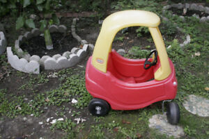 LITTLE TIKES famous plastic car yellow and red.