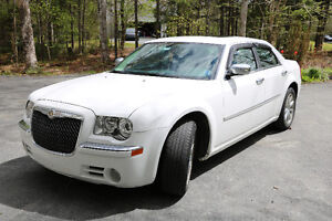 Like New! 2010 Chrysler 300-Series Limited Sedan