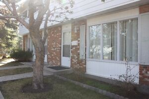 Sunny, Spacious Townhome for Rent in Palliser/Oakridge SW