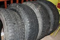 Tires a vendre