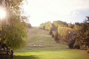 Live in the beautiful river valley at Canyon Ski Resort