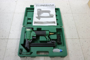 **AIR-TOOL** Superior FS9725 21 Gauge Flooring Stapler (#16124)