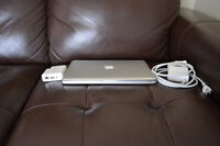 """Macbook Pro Mid-2009 13"""" w/ Charger & Airport Express"""