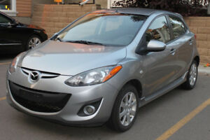 2011 Mazda 2 GS with New winter tires!!!