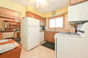 #350 Military, Amherstburg. Open House Sun., Dec. 11 1-3pm. Windsor Region Ontario image 10