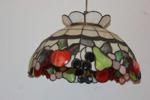 "Beautiful Style Tiffany Hanging Lamp 18"" x 12"",  Good Condition"