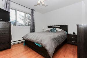Duplex à vendre compl. rénové excellent pour prop. occupant !