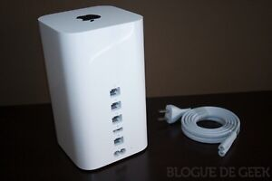 Apple AirPort Extreme Base router Kingston Kingston Area image 1