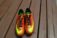 Nike Mercurial Soccer Cleat Presque Neuf Almost New Size 8.5