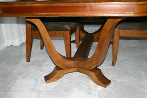 Beautiful Dining Room Table and Chairs Strathcona County Edmonton Area image 4
