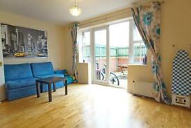 3 bedroom house in Casson Drive, Stoke Park, Bristol, BS16 1WP