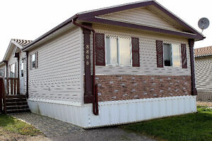 4 Big Bedrooms with 2 Full Bath! Room for everyone!