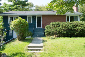 Gorgeous large 3 bedroom! Great location.