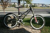 Canfield Jedi F1 Large Downhill Mountain Bike