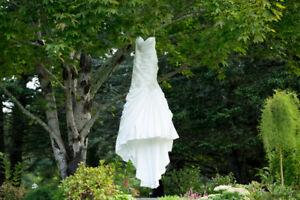 Beautiful Ivory Wedding Dress - Size 12