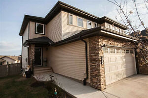 Beautiful Home in Summerside With an Amazing Lot!
