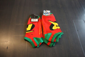 DC COMICS ROBIN ANKLE SOCKS