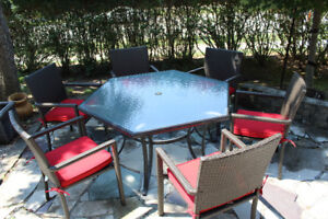 D.O.T. Hexagon Patio Dining Table and Chairs