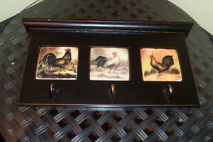 Wooden rooster wall plaque with hooks