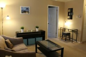 $1050 - 1 Bedroom furnished suite near UVic & Camosun