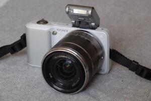 Sony Alpha Nex 3 w/ 18-55mm f3.5-5.6 Lens