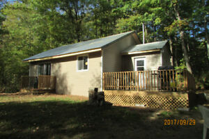 Private and Cozy Countryside Cabin near Bancroft